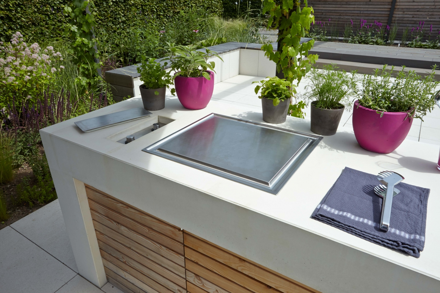 Garden warming party und illumina 2015 for Outdoor grill kuche